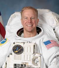 Астронавт из экипажа Дискавери получил травму